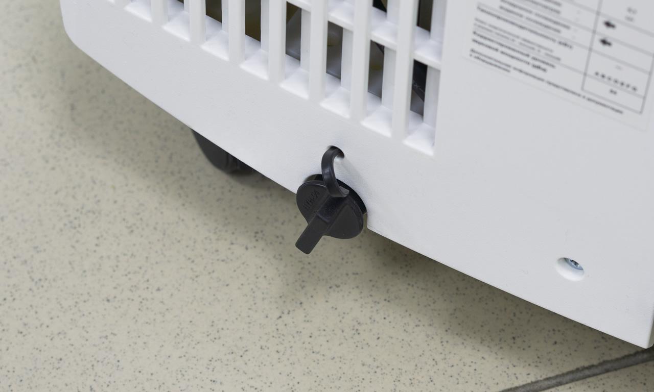 Мобильный кондиционер Electrolux EACM пробка водослива